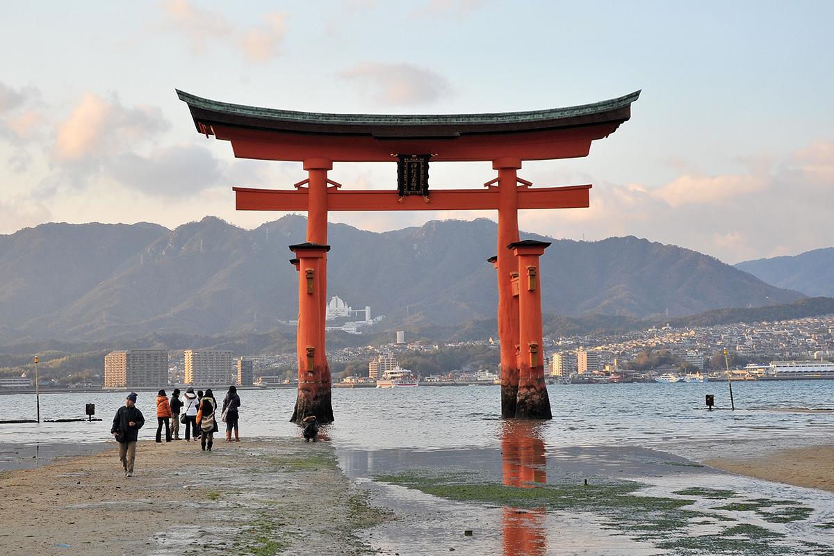 嚴島神社大鳥居【改修中】