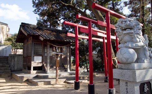 稲生神社・本殿・渡殿(被爆建物)
