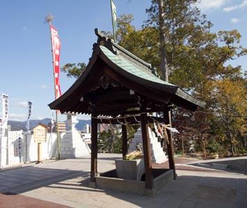 邇保姫神社・手水舎(被爆建物)