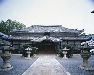 國前寺本堂(こくぜんじほんどう)(重要文化財)